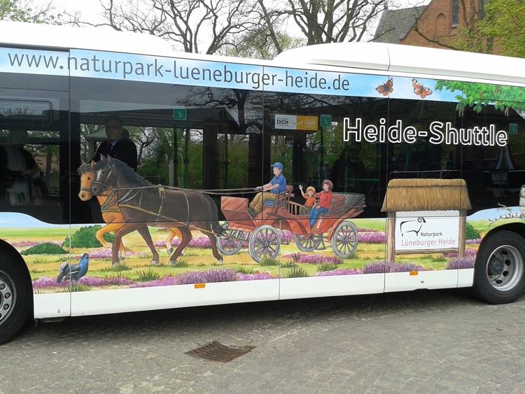 Naturpark-Bus: linke Seitenansicht